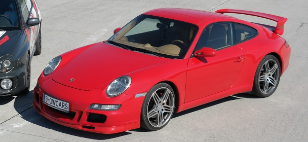 Porsche GT3 na okruhu Showcars