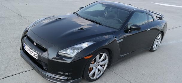 Jízda ve voze Nissan GT-R